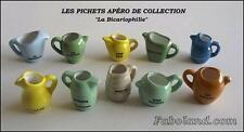 Fèves LES PICHETS ANCIENS APERO 10 Sujets Porcelaine 3 cm. environ