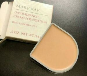 Mary Kay ANTIQUE IVORY #6298 Day Radiance Cream Foundation NEW IN BOX