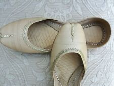 CREAM / BEIGE  LADIES INDIAN LEATHER WEDDING PARTY KHUSSA SHOES   SIZE 8