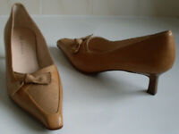 ANNE KLEIN AK Nude Brown Pointed Toe Pumps Heels Court Shoes Size UK 4 EU 37 NEW