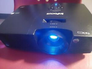INFOCUS Projector IN112XA 3800 Lumens 7 hours used HDMI Remote SVGA