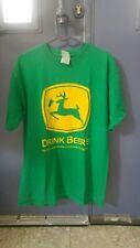John Deere Drink Beere Tshirt GILDAN 100% Cotten SIZE M
