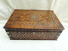 Una caja con incrustaciones de Hoshiarpur indio Anglo