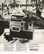 PUBLICITE ADVERTISING 074  1976  SONY  la radio transistor PERROQUET