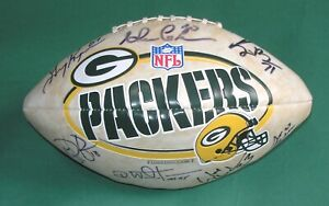 Green Bay Packers Autographed 8 Players Limited Edition Football 15 33 30 44 95