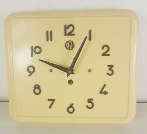 Clock Smi Antique Bakelite