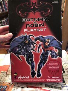 BATMAN AND ROBIN MOVIE COLORFORMS BRAND PLAYSET 1997  Read Description