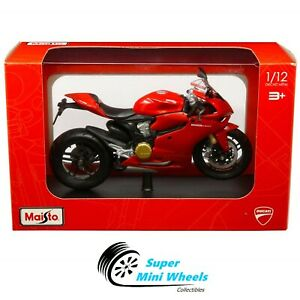 Maisto 1:12 Motorcycles - Ducati 1199 Panigale (Red)