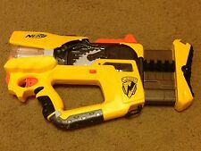 Yellow NERF N-Strike Firefly Rev-8 Blaster Gun. Light Flashes When Shot!
