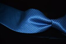 LNWOT Brioni Made in Italy Gloss Satin Peacock Blue Gold Dot Tapestry Silk Tie