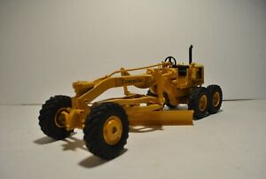 Caterpillar Cat No. 12 Motor Grader - Reuhl 1:24 Scale Model 1960s Original
