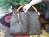 Louis Vuitton Monogram Artsy MM Hobo Shoulder Handbag - Great Condition!