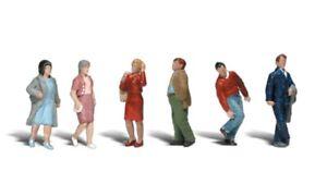 New Woodland HO Scale People Walking Train Figures A1913