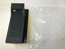 Air Hydraulic Pump 10000 Psi Hydraulic Pressure 16l Reservoir Foot Pump Yellow