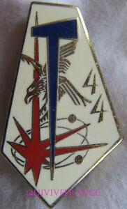 IN9013 - INSIGNE 44° R.Trans, 4 plumes, dos guilloché
