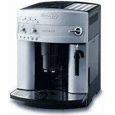 DELONGHI ESAM 3200 Magnifica Kaffeevollautomat Kaffeemaschine Silber Mahlwerk