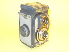 Yashica 44A - vintage TLR in extremely good condition and perfectly working!