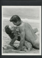 GEORGE NADER + HEDY LEMARR KISS ON THE BEACH - 1958 THE FEMALE ANIMAL - VINTAGE