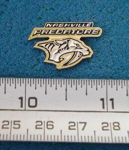 NASHVILLE PREDATORS NHL HOCKEY LOGO PIN # T704