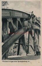 AK, Wehrmacht Bildserie, Pioniere bringen Sprengladung an, 1941; 5026-227