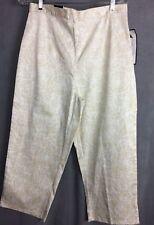 Bill Blass Size 12 Women's Floral Print Capris Jeans  (WB 161)
