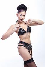Lycra Dessous Set: Bh mit Ketten, Strapsgürtel und Hot Pants