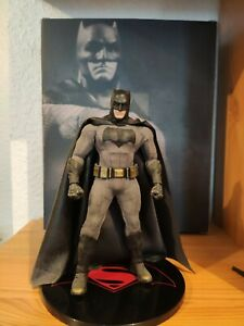 Figurine Mezco 1/12, Batman, Batman V Superman ( rare)