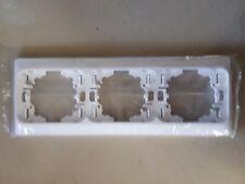 LEGRAND Diplomat  Classic plaque horizontale 3 postes blanc, enjoliveur