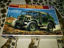 ITALERI 240   CHEVROLET GUN TRACTOR  1/35
