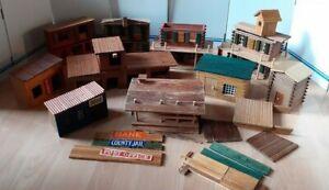 Großes Bastelkonvolut Westernhäuser Western Fort DDR Indianer Cowboys Holz