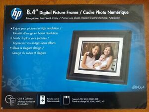 "New HP 8.4"" Digital Picture Frame w/ Remote Supports SD, SDHC, MMC, MS Cards"