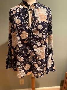 Umgee Navy Floral Blouse With Bell Sleeves Size Small