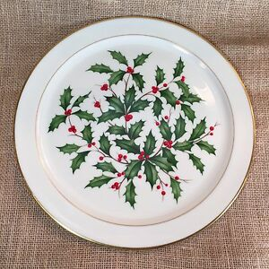 "Lenox Holiday Dimension 12"" Chop Plate/Round Platter Plate Dish Holly Berry"