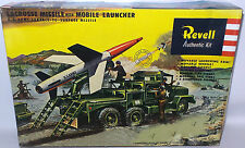 ROCKETS : LACROSSE MISSILE WITH MOBILE LAUNCHER PLASTIC MODEL KIT