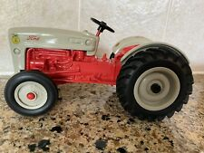 Tomy Ford Tractor Die-Cast Metal #13916 1/16 Scale