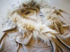 Strickkleid Kleid taupe mit Fell Schal Gr. 36 Rüschen Neu