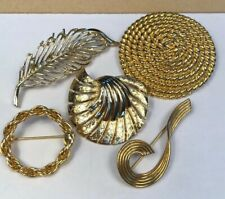 Vintage Pin Brooches Lot Of 5 Gold Wreath Leaf Swirl Rope Round Twisted