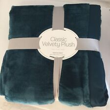 Berkshire - Classic Velvety Plush Blanket - Twin - Atlantic Blue