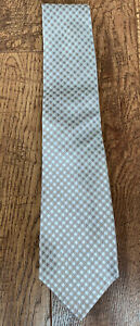 NWT Kiton Taupe Jaquared Houndstooth Seven Fold Men tie. Retail $295
