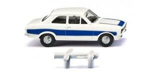 HO Scale Cars - 020306 - Ford Escort - white