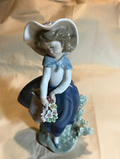 "Lladro Porcelain Figurine #5222 ""Pretty Pickings"" Mint 1983"