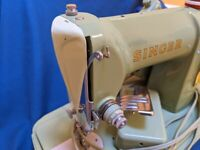 Vintage Green SINGER 185K Sewing Machine in Case & Foot Pedal - Made in Scotland