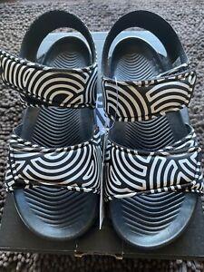 Adidas Altaswim C HIROCOLEDGE TAKASHI HIROKO Sandals Youth Size 1 Black FX1201