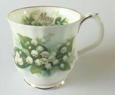 Royal Albert puede Taza flor del mes serie