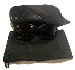 Chanel Sunglasses Womens Black & White Genuine Authentic Case Cloth