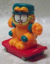 "Miniature Garfield PVC Skate Board Toy 3"" PAWS 1999 Arm Knee Pads EUC Fly Helmet"