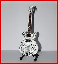 The CURE ! GUITARE MINIATURE ROBERT SMITH / PORL THOMSON ! Collection Electrique