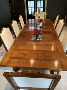 Beautiful Polished Walnut Dining Table and 8 Chairs (real leather upholstery)