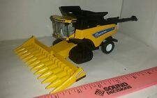 1/64 ertl custom farm toy new Holland cr8.90 combine smartrax 2 tracks corn head