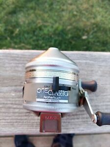 Vintage Zebco One Classic Feather Touch Casting Fishing Reel.
